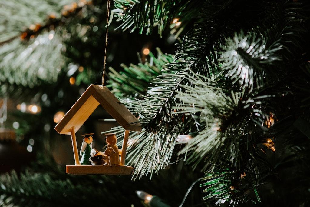 Kerststal in de Kerstboom