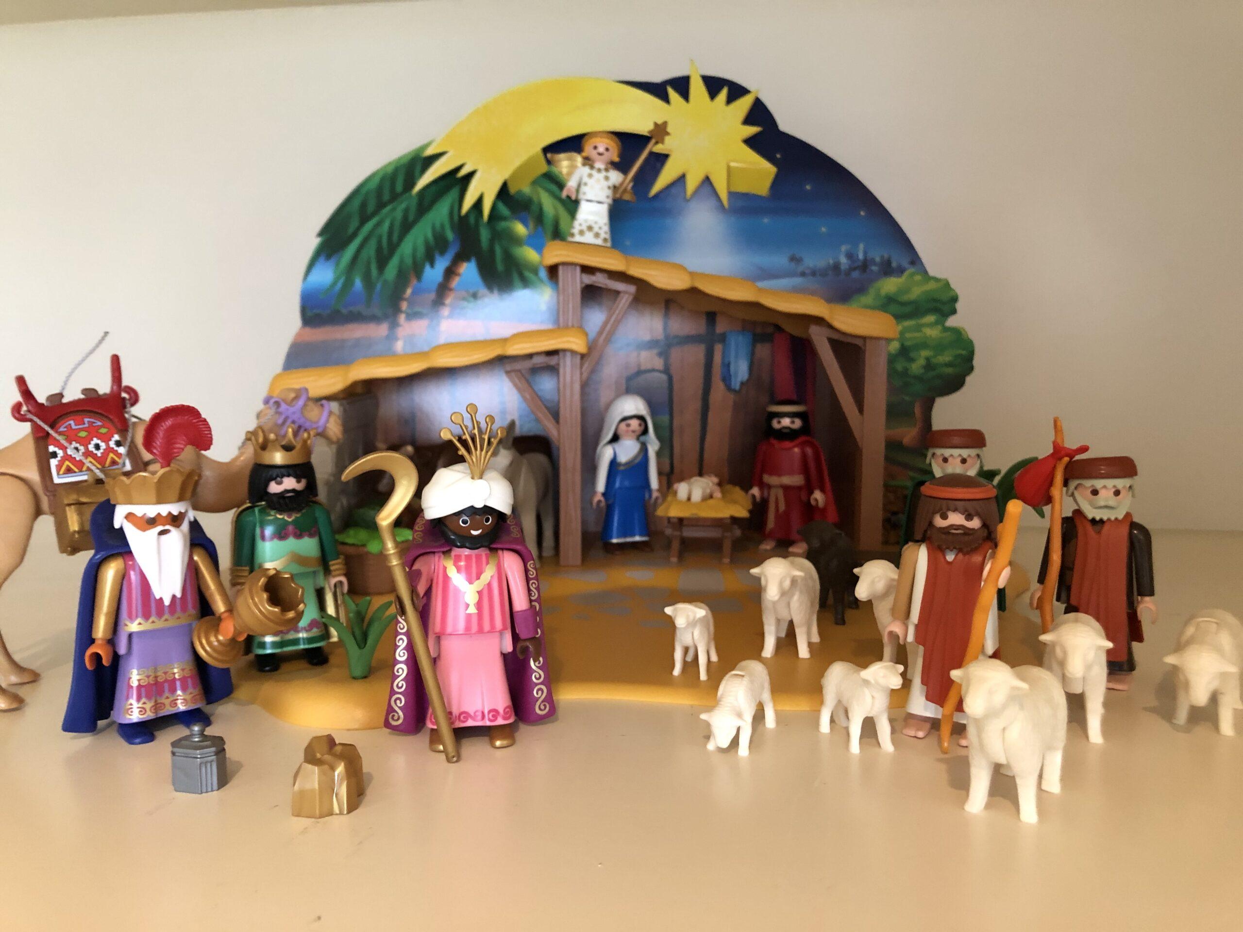 Kerststal met Jozef en Maria en baby Jezus